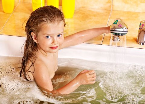 Badewanne Shutterstock 480x