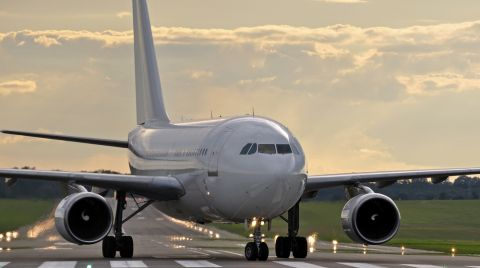 Flugzeug St 480