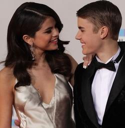 Justin Bieber Selena Gomez Shutterstock Dfree 250x
