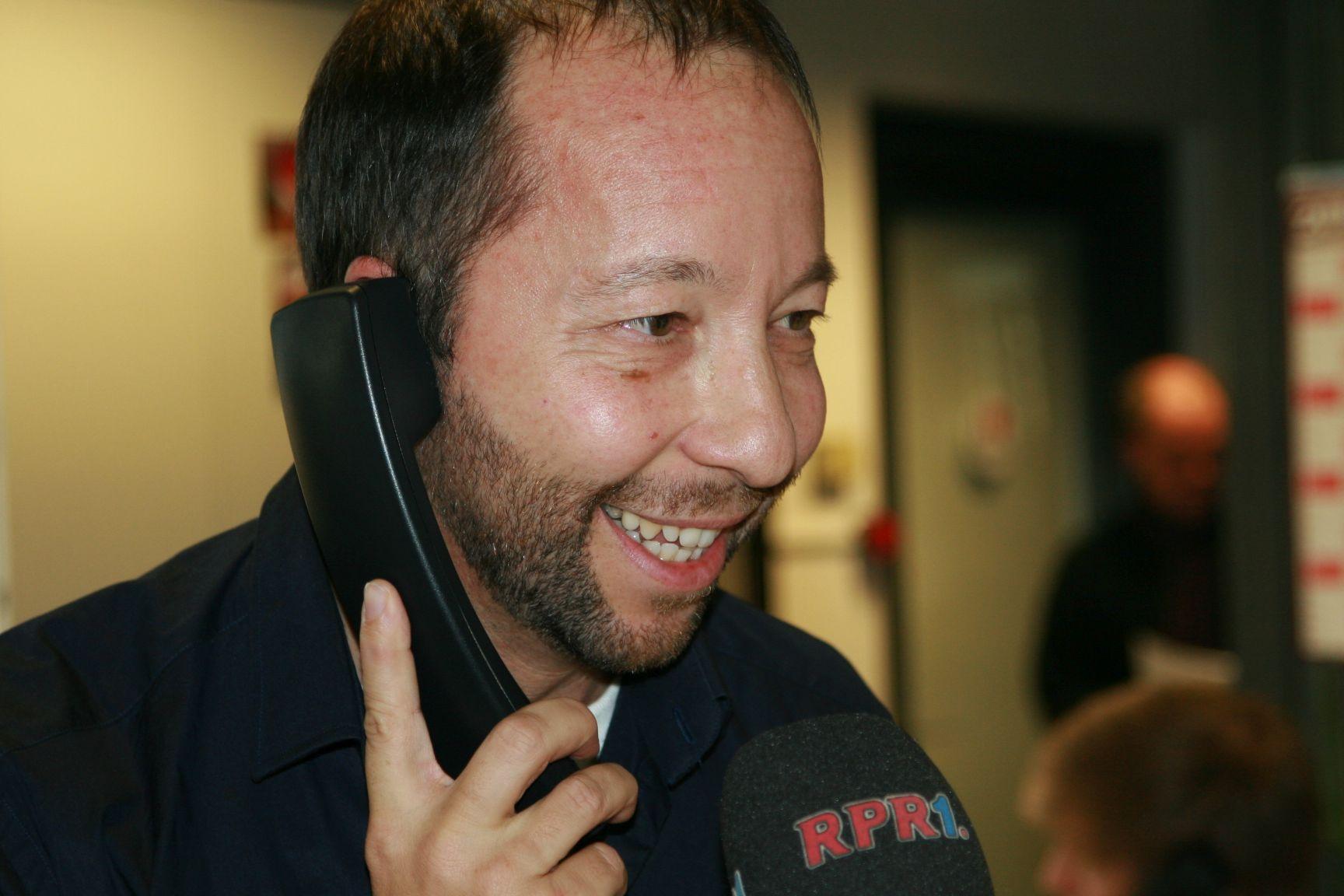 2011 DJ Bobo Spendentelefon.jpg