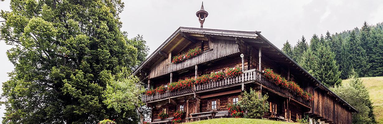 Bergdoktorwohnhaus-Köpfing_Soell_Foto-von-Felbert_Reiter-(1).jpg