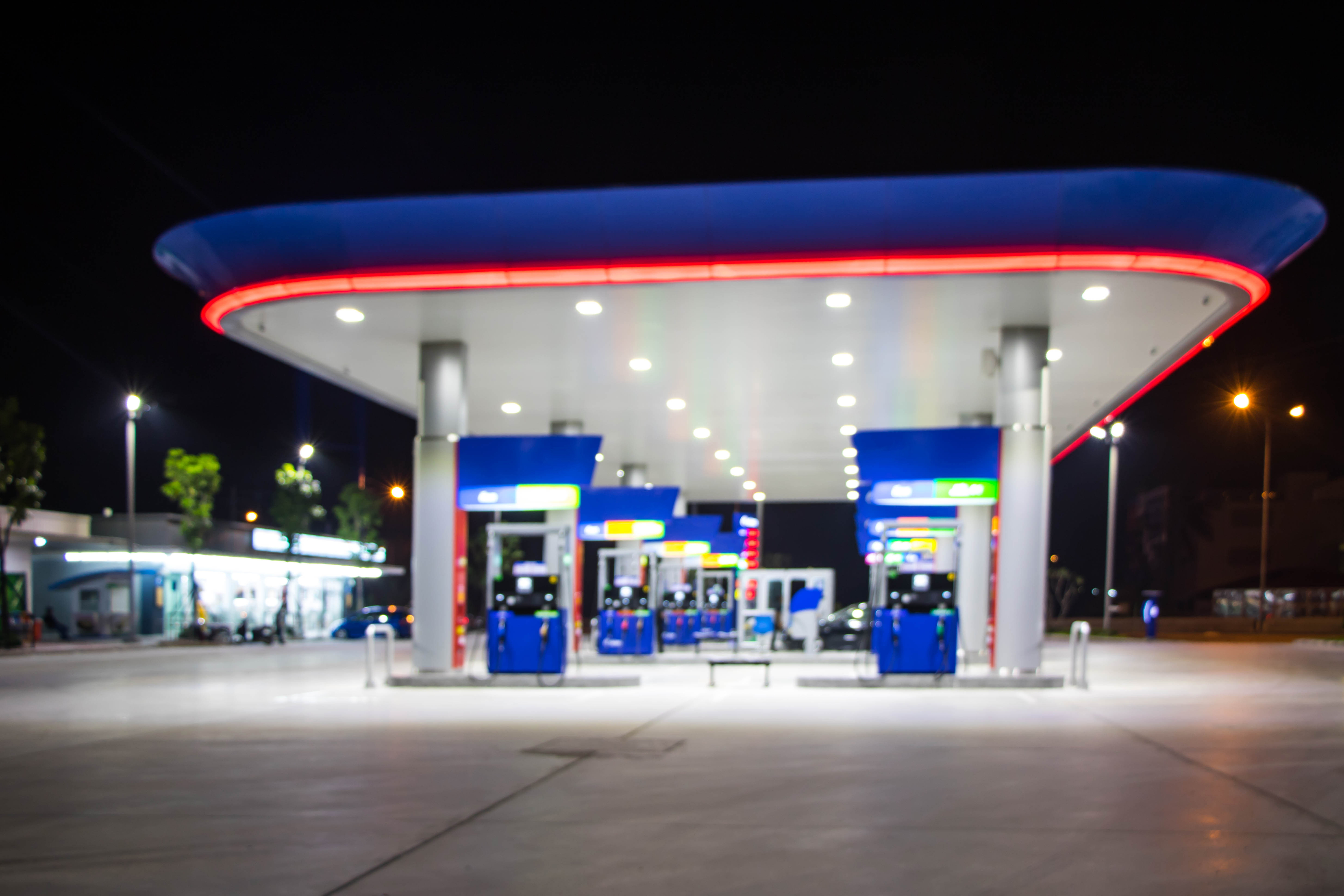 Tankstelle_CONTENT_srattha nualsate_Shutterstock.jpg