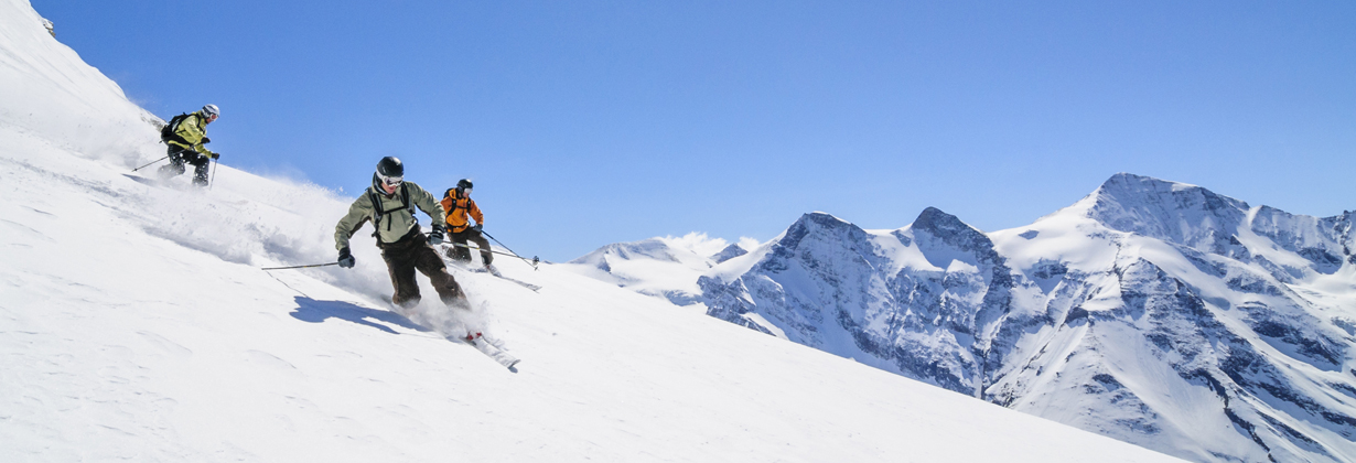 perfect_skifahrer_tiefschnee.jpg