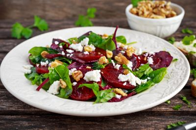 rotebeete-salat_HEADER_DronG_Shutterstock.jpg